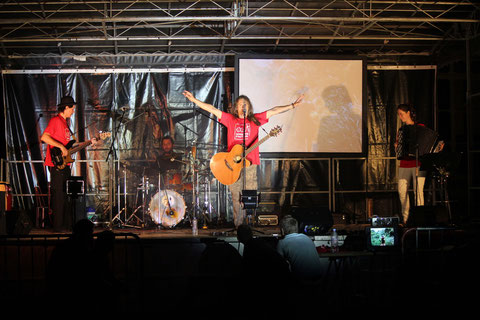Concert au profit d'apprentis d'Auteuil (www.fondation-auteuil.org) ... avec les beaux T-Shirt de l'asso !