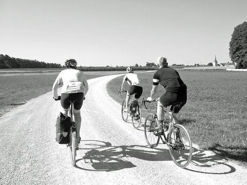 """Erwin, Saskia und Alex bei der jährlichen """"Gravel"""" Ausfahrt"""