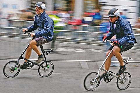 Londontown Race – Motiv aus dem Strida-Kalender von 2012 | Zum Vergrößern anklicken