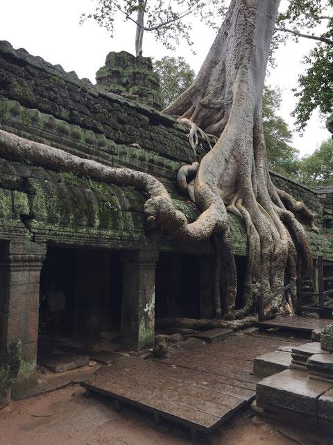 タプローム寺院
