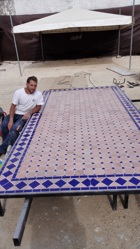 Tapa de mesa de 3,50 x 180.  Puede realizarse en cualquier material y tamaño.