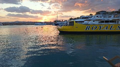 Sonnenuntergang - Hafen von Port Ghalip