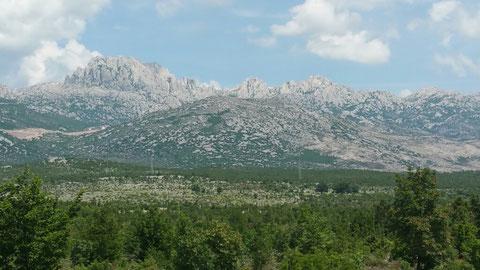 Hier die wilden Berge, in denen fast alle Winnetou - Filme gedreht wurden.