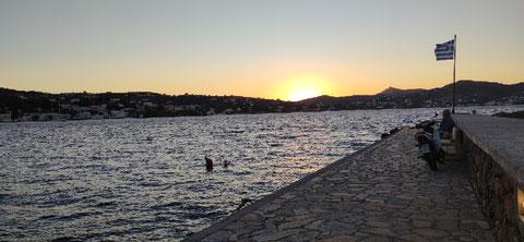 "Sonnenuntergang an der ""Anglermole"" bei Agios Marina"