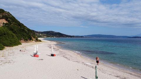Der ewig lange Strand hinter Develiki (2)