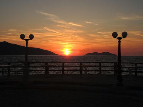 Abend(b)rot auf der Terrasse vom Campingplatz Cekodhima