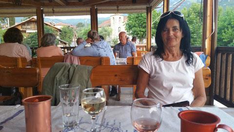 In der Taverne Christos in Agios Georgios in der Nähe von Rachoni