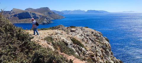 Ganz im Hintergrund die Insel Kalymnos