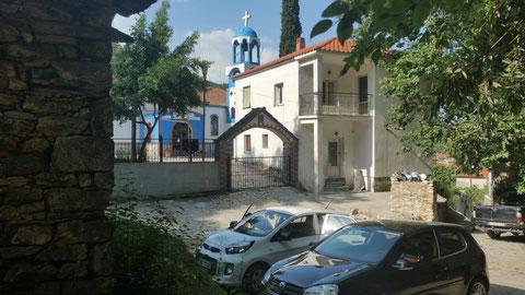 Kirche in Potamia - Vorbereitung auf die Wanderung
