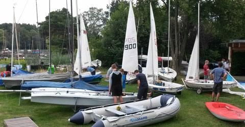2016 - Boote aufbauen beim Jugendtrianing