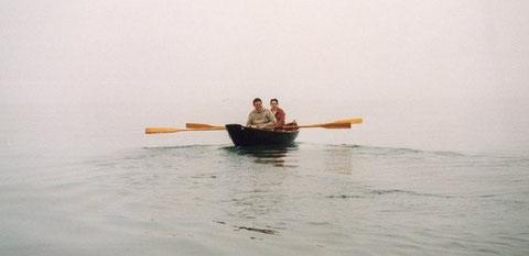 A l'aviron dans la brume à bord de Morvran en 1995 en baie de Lannion avec Marie-Laure