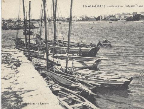 Péniches et sloups de passage à l'île au moutons après 1913