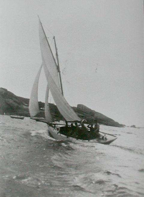 Un superbe bateau certainement très équilibré