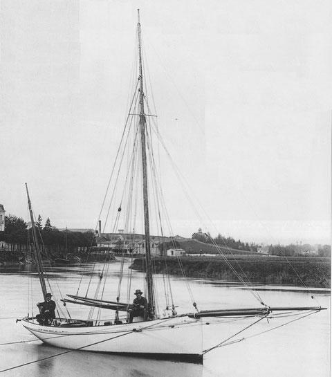 Le « Roscovite » 1886, son gréement de yawl  est original, mais bien adapté à la navigation de croisière en équipage réduit