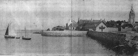 La salle des aquariums et le mur du bassin du laboratoire de biologie marine (avant 1907)  les deux sloups font-ils partie de la flotte du laboratoire