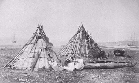 Campement micmac en bord de mer en Nouvelle-Écosse