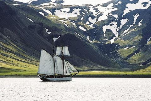 L'Etoile en Islande, photo du site du chantier du Guip, le chantier assure aujourd'hui pour la Marine Nationale le gros entretient et les réparations des goélettes