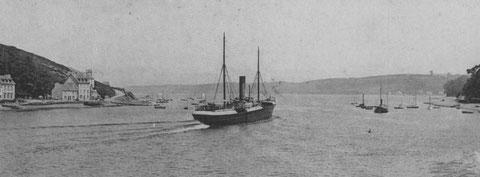Le Finistère (second du nom) au bas de la rivière