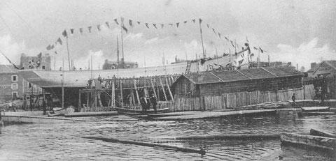 Mai 1908, le Pourquoi-Pas est prêt à etre lancer, le grand-pavois est à poste