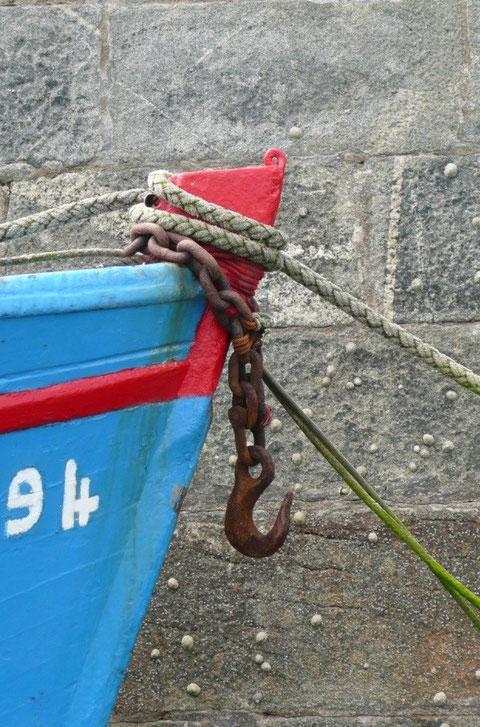 L'espoir du marin le long du môle