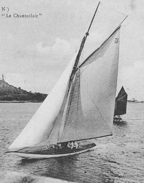 Le yacht Chanteclair vainqueur des régates de Paimpol arrivant au môle de Kernoa