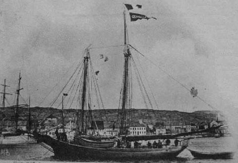 Petite goélette franche de Saint-Pierre et Miquelon pratiquant la pêche aux cordes à partir des doris