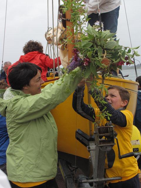 Marie-Laure et Thomas aux bouquets