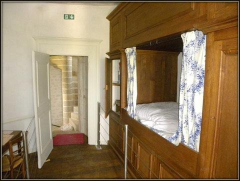 Chambre de gardien scénographie après restauration photo Jean-Pierre Keller