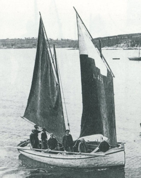 Flambart de Locquémeau  Normandie arrivant au port de Locquirec Flambart de 2,28 tonneaux construit en 1904 à Carantec