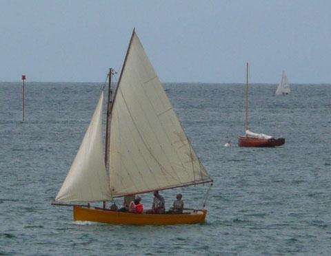 Un petit  tour à Port-Blanc avec un équipage de 4 adultes et un enfant