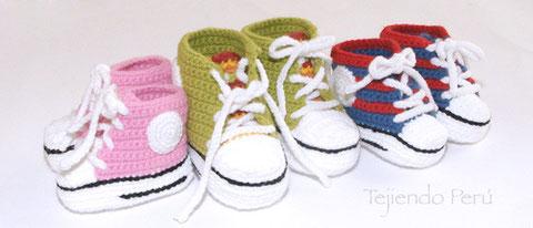 Sneakers o zapatillas para bebés tejidas a crochet!