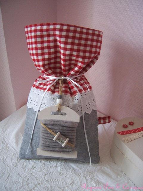 """*** nouvelle collection shabby couture *** sac / pochon tricot/laine """" de gris et de vichy """" - Poc0109181 -"""