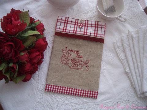 """Pochette Brodée rouge médoc """" Esprit Lemon Tea Champêtre"""" -18euros (frais de port compris)  réf: Poch 1201151-"""