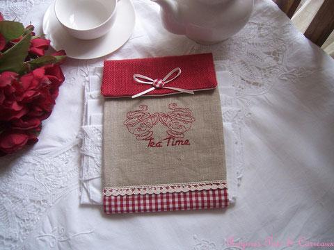 """Présentoir pour serviettes d'invités Brodé rouge médoc """" Esprit Tea Time Champêtre""""  -18euros (frais de port compris)- réf: Pre1113152"""