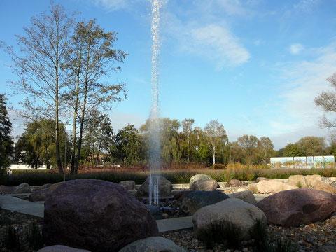 Der Ausbruch, eine überraschend hohe Wassersäule!