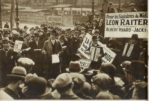 Léon Raiter, Albert Huard et Jacki chantent dans les rues de Paris pour les sinistrés du Midi (1930).