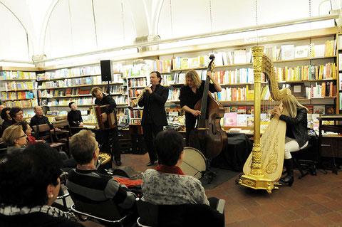 Quadro Nuevo bei ihrer Buchvorstellung in der Buchhandlung Rieger & Kranzfeld, Augsburg