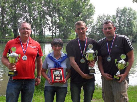 podium 2EB 1 JUIN 2014