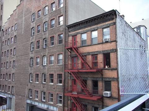 很想去爬爬看那樓梯。