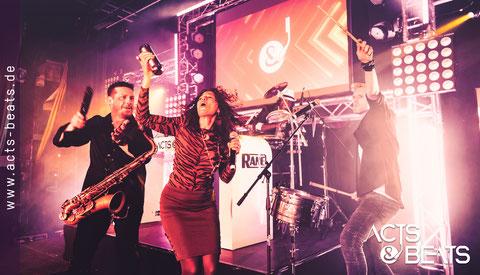 DJ mit Sänger und Percussion Band für Firmenfeier in Dortmund