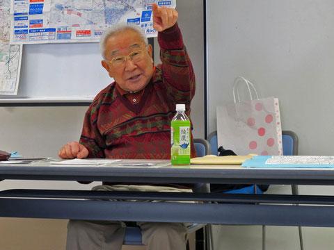 熱弁を奮う岩崎氏