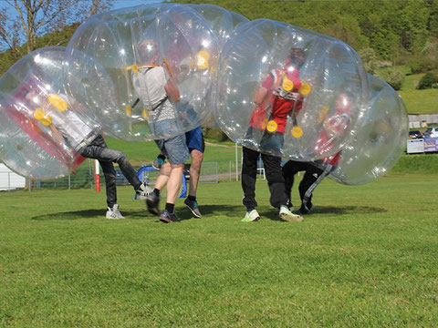 Bubble Soccer mieten & ultimativen Spaß erleben in Ludwigsburg. Bubble Soccer, auch bekannt als Bubble-Fußball,