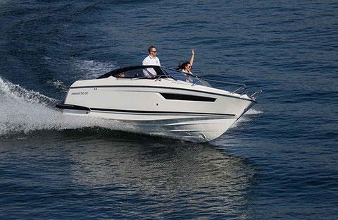 Parker 750 Day Cruiser