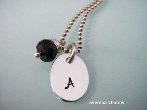 Charm-Kette mit Initial personalisierbar + Granat-Charm