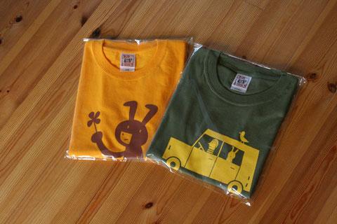左は子供用、右は大人サイズあります各デザインTシャツの色はいろいろあります。ウサギの方は黄と水色とピンク地 車の方は紺とグレーとオレンジとオリーブ(新色)