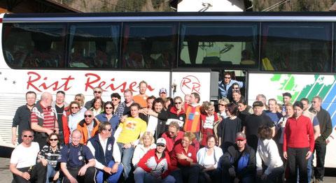 Einige Jahre zuvor - Der Bus ,  seine Passagiere und der Fahrer