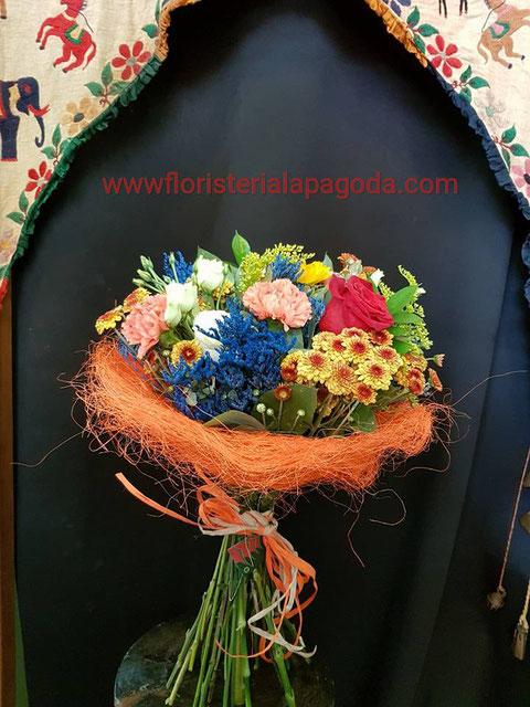 Ramo pequeños de flores variadas. ref rvpq210717   PVP 30€