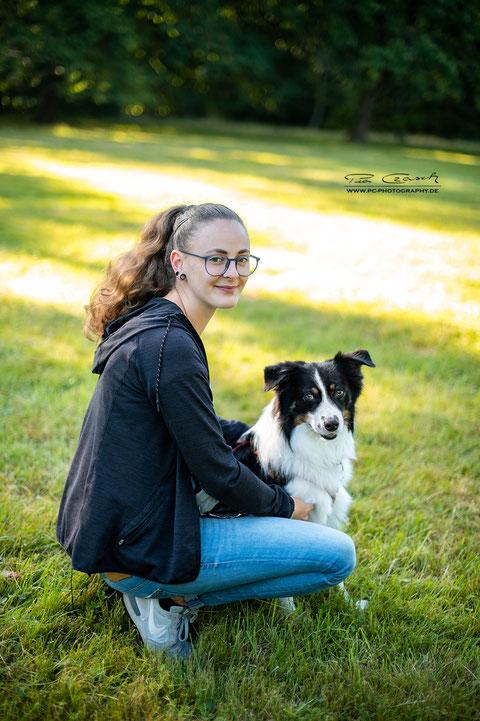 Hundetrainerin Antonia Hickethier bietet mobiles Hundetraining in Göttingen
