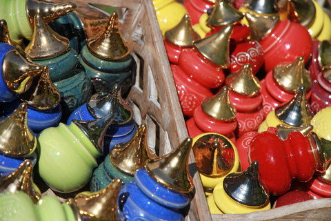 Bild: Spitzen, Keramik