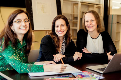 Da esquerda para a direita: Carla Douglass, Fabiana Gutierrez e Carla Scheidegger